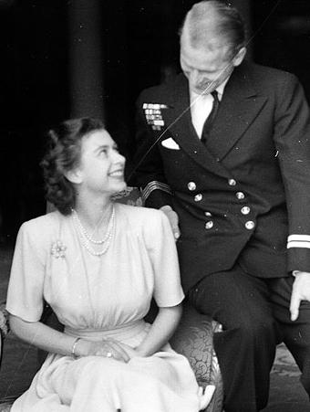 princess elizabeth philip mountbatten engagement 1947