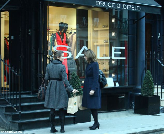 carole pippa middleton bruce oldfield dress designer