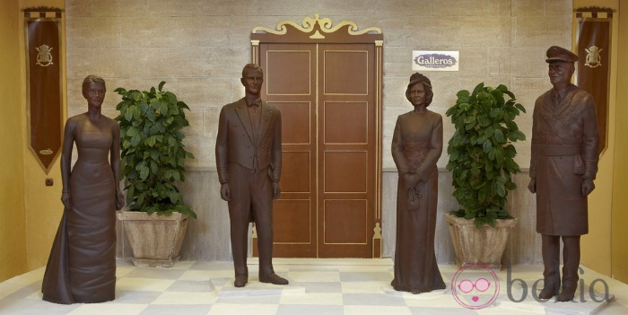 chocolate figures of the spanish royal family
